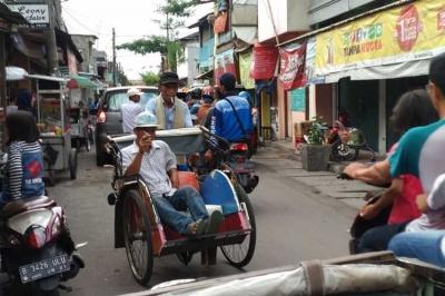 Layakkah Becak Beroperasi di Jalanan Ibu Kota?