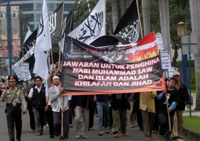 Alasan Saya Tidak Pernah Berdebat dengan Aktivis Hizbut Tahrir