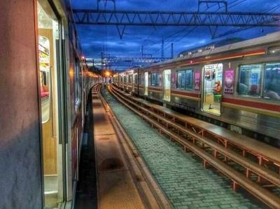 Balada Para Pecandu Kereta