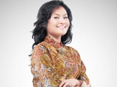 Haghia Lubis, Advokat Penyuka Koleksi Kain Tradisionil dan Batik