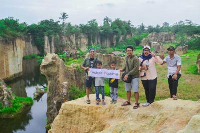 Wisata Bekas Tambang Dekat Jakarta