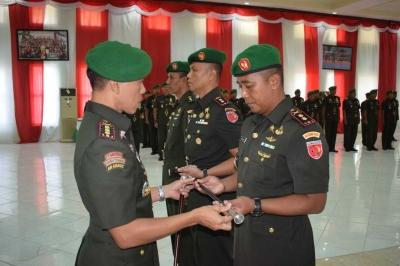 Sejumlah Jabatan Jajaran Korem 151/Binaiya di Serah Terimakan