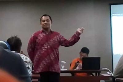 Seminar yang Membuka Pikiranku oleh Pak Dosen Jualan