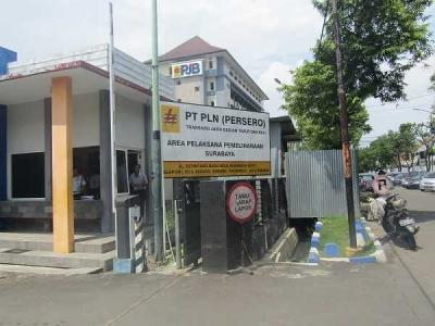 Praktik Langsung ke Pabrik Listrik, Taruna Poltekbang Surabaya Amati Sistemnya