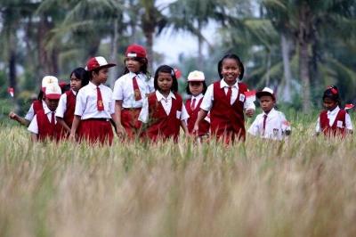 """Mental """"Priyayi"""" Merusak Tatanan Pendidikan Indonesia"""