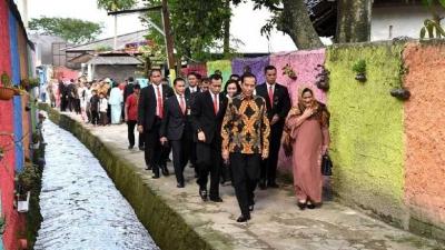 Presiden Jokowi yang Sederhana dan Membumi