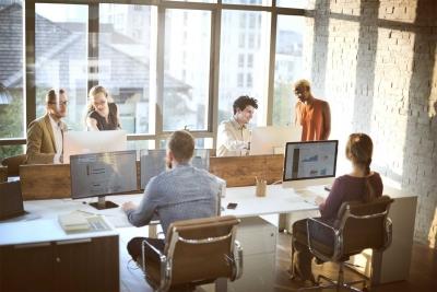 Terpapar Silaunya Bekerja di Perusahaan Rintisan