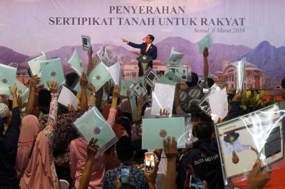 Memaknai Pengibulan yang Ditudingkan Amien Rais kepada Jokowi