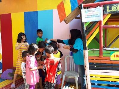 Kampung Warna Hasil Karya Pengangguran Bernilai Ekonomi