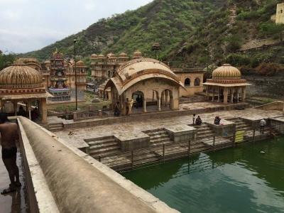 Cerita Seram dari Pemandian Air Suci di India