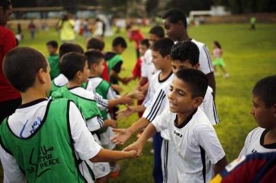 Menumbuhkan Sikap Sportif pada Anak