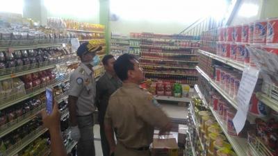 Antisipasi Sarden Mengandung Cacing, Skipm Bima dan Bpom Sidak ke Swalayan di Kota Bima
