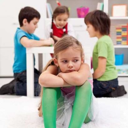 Tentang Pertemanan bagi Anak Pemalu