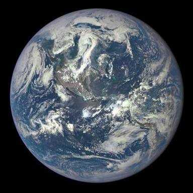 Puisi | Ini Bumi Kita