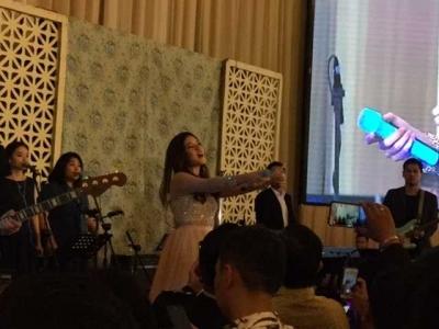 Raisa Bikin Geger Pesta Pernikahan Ipda Raymond dan Dessy