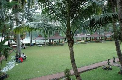 Menambah Kesejukan, Begini Indahnya Danau Buatan di Tangerang Selatan