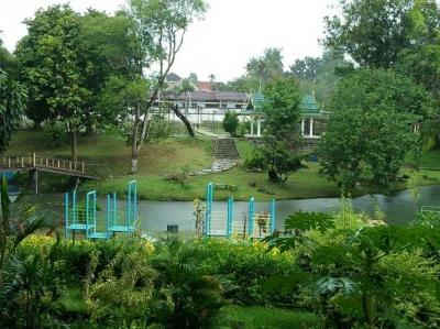 Tempat Wisata di Taman Anggrek Sri Soedewi