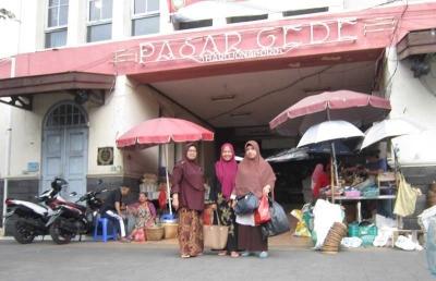 Singgah di Pasar Gede Solo