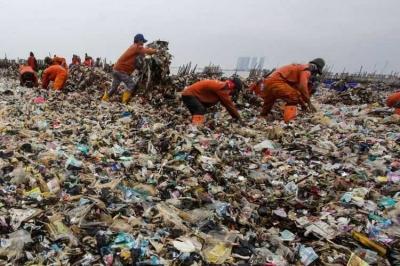 Kecepatan Bertindak Pemda Jakarta Membersihkan Sampah