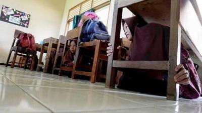 Tips Mengedukasi Respon dan Teknik Evakuasi Mandiri Anak dan Keluarga dalam Kejadian Gempa Bumi