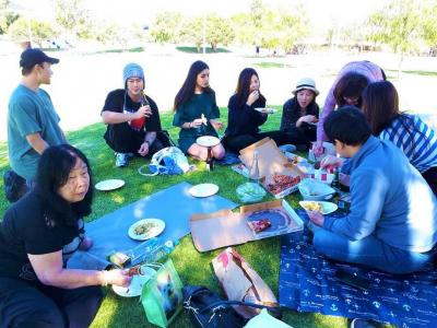 Rayakan Ulang Tahun di Taman Lebih Berkesan dibanding di Restoran