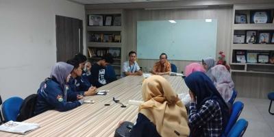 Forum Lingkar Pena Ranting Unhas Menimba Ilmu Jurnalistik di Tribun Timur