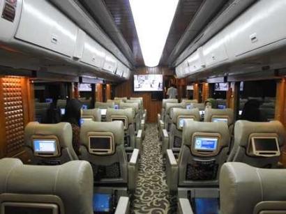 Mewahnya Kereta Wisata Jakarta-Bandung