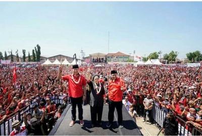 Ribuan Kader PDI-P dan Relawan Hasanah,  Sambut Kedatangan Ibu Mega