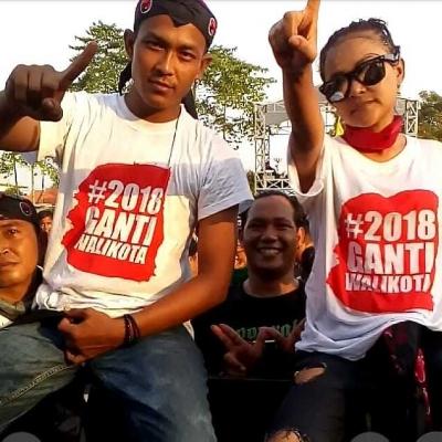 Kaos Ganti Walikota Mendominasi Kampanye Akbar Bamunas - Effendi Edo