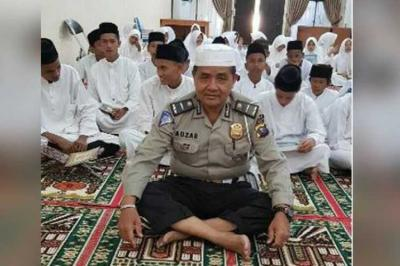 Ipda Auzar, Polisi yang Tewas Ditabrak Terduga Teroris Rajin Ajak Warga Shalat