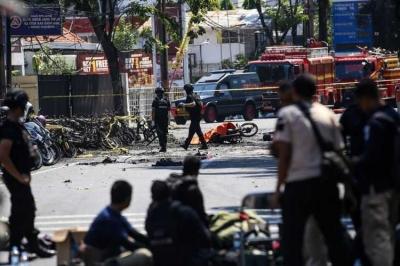 Teroris, Bom Surabaya, dan Tantangannya Buat Negara