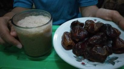 Berburu Makanan Berbuka Puasa Favorit, Cukup dari Penjual Musiman Ramadan