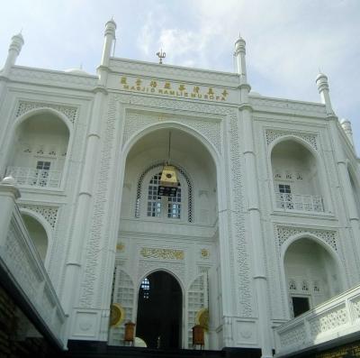 Indahnya Masjid yang Dibangun Mualaf Tionghoa Ini