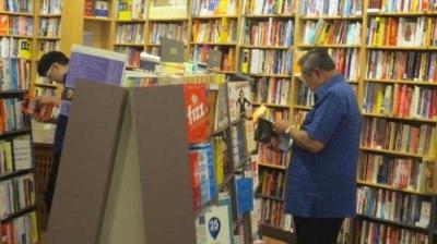 Menelisik Rasa Cinta SBY kepada Buku