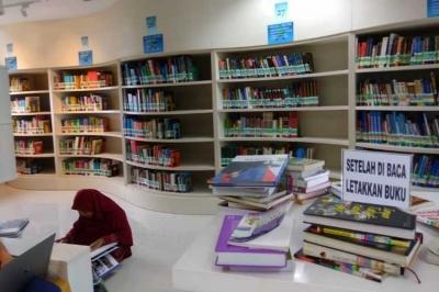 Meriahkan Peringatan Hari Buku dengan Membaca