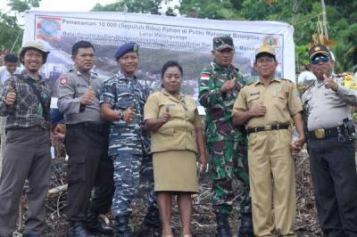 BP2LHK Manado dan TNI AL Melonguane Tanam 10 Ribu Pohon di Perbatasan Sulut