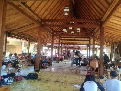 Limasan Kayu Menjadi Idola Baru Fasad Restoran di Yogyakarta
