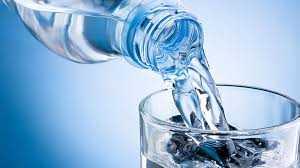 Perbanyak Minum Air Putih, Kurangi  Minuman Manis Saat Saur