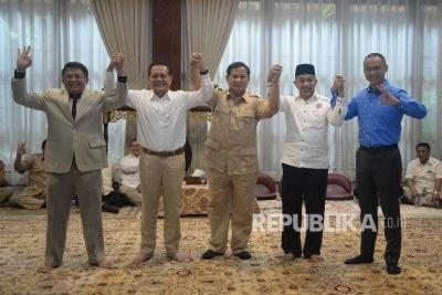 Mengapa Prabowo Harus Tunggu Jokowi Umumkan Cawapresnya?