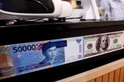 Rupiah Kian Anjlok, PR Gubernur Baru BI?