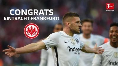 Rebic Akhirnya Sukses Antarkan Frankfurt Juara