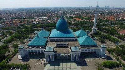 Pesona Masjid Al Akbar di bulan Ramadan