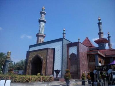 Masjid-masjid Ini Tak Hanya Indah tapi Juga Punya Cerita