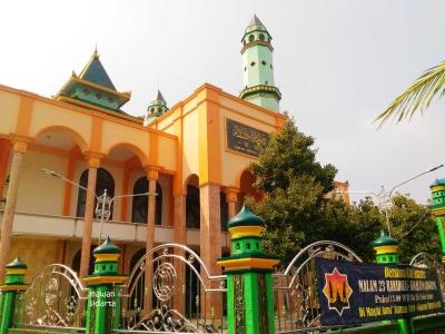 Larut dalam Kisah Sejarah Masjid Gumeno Gresik
