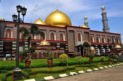 Ini Alasan Mengapa Masjid Kubah Emas Depok Menjadi Favorite Banyak Orang