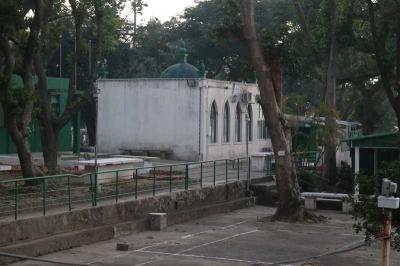 Kisah Mencari Masjid Satu-satunya di Negeri Seribu Kasino