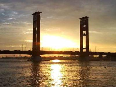 Wisata Jembatan, Mengasyikkan namun Membahayakan
