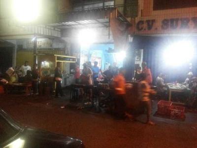 Bersantap Malam di Taliwang Udin