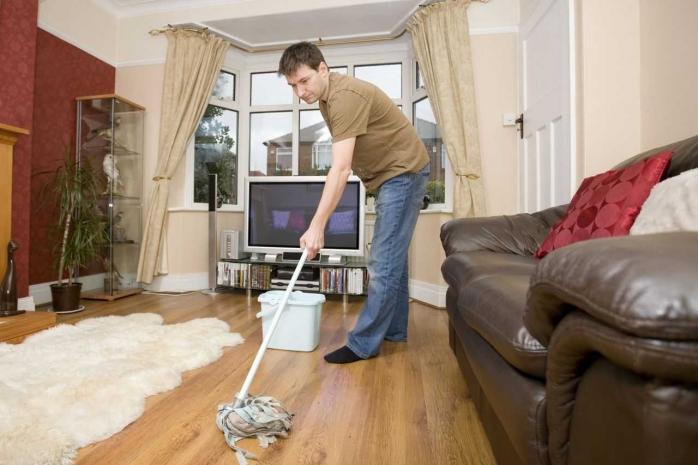 Haruskah Suami Membantu Mengerjakan Pekerjaan Rumah Tangga?