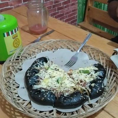 Black Pizza Ala KPK